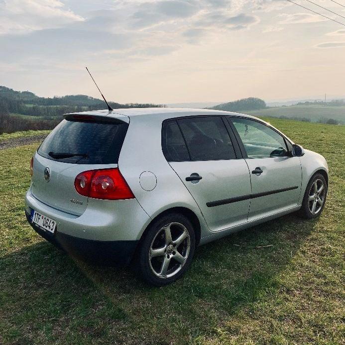 VW Golf 1.6Fsi 85kw TOP stav